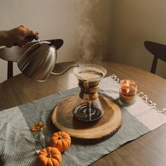 Chelsea Diane (Whatever is lovely. Cup Of Jo, Black Tulips, Food Pictures, Chelsea, Inspiration, Fall, Cosy, Anna, Coffee