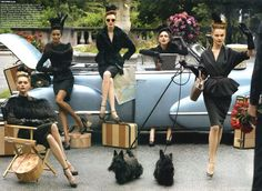 Steven Meisel brings back the glamour and enchantment associated with the to this September Issue of US Vogue. Starring Karen Elson, Coco Rocha, Liya Kebede, Sasha Pivovarova and Viktoriya Sasonkina. Steven Meisel, Vogue Us, Vogue Korea, 40s Fashion, Vintage Fashion, Style Fashion, Vintage Style, Fashion Skirts, Vintage Glam