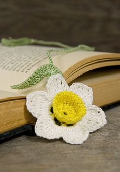 Handmade Crocheted Bookmark Daffodil | Flickr - Photo Sharing!