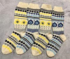 Marimekon Unikkosukat Knitting Socks, Diy, Fashion, Patterns, Knit Socks, Moda, Bricolage, Fashion Styles, Do It Yourself