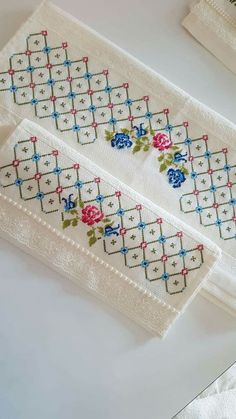 Cross Stitch Bookmarks, Cross Stitch Borders, Cross Stitch Alphabet, Cross Stitch Flowers, Cross Stitch Designs, Cross Stitching, Cross Stitch Patterns, Hand Embroidery Videos, Border Embroidery