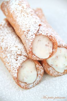 But petite patisserie: Sicilian cannoli – Italian Foods Just Desserts, Delicious Desserts, Yummy Food, Italian Cooking, Italian Recipes, Italian Foods, Holy Cannoli, Easy Baking Recipes, Pie Dessert