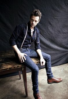 This week we have Brandon Flowers, lead singer of The Killers. He not only leads one of the biggest rock bands of the last decade, but here he is bringing back the American workwear inspired outfit. Somebody told me you were looking for inspiration, so check out his look.