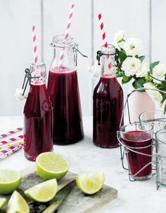 Lav en skøn pæresnaps og server den iskold til en ostemad. Iced Tea, Iced Coffee, Fat Burning Detox Drinks, Weight Loss Smoothies, Fall Recipes, Food Inspiration, Red Wine, Alcoholic Drinks, Cocktails