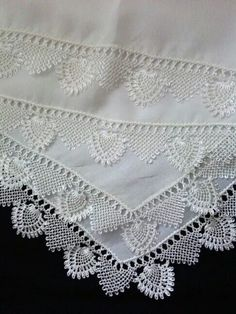 This Pin was discovered by NLN Crochet Cowl Free Pattern, Crochet Lace Edging, Knit Or Crochet, Baby Knitting Patterns, Crochet Patterns, Hand Embroidery Dress, Embroidery On Clothes, Needle Lace, Bobbin Lace