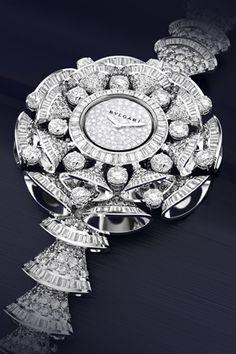 Эта прекрасная жизнь:Роскошная коллекция часов Diva итальянской марки Bvlgari появилась в Москве