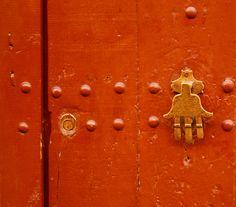 The Hand of Fatima - door knocker    Wards of evil incantations