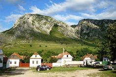 Egy falu, ahol nyáron kétszer kel fel a Nap Turism Romania, Canvas Tent, Gaudi, Tent Camping, Beautiful Landscapes, Hungary, Mount Rushmore, Tourism, Places To Visit