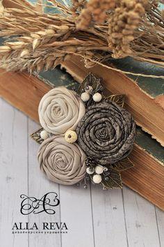 """Купить Брошь """"Первый день зимы"""" - комбинированный, брошь, брошь текстиль, цветы из ткани, текстиль"""