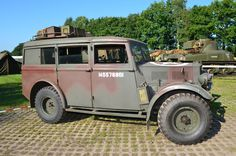 """https://flic.kr/p/yAoY2G   Rolling Steel 2015 - Bivak - Humber   Humber FWD  The Humber FWD (Four Wheel Drive) was a military version of an """"estate car."""" It was used as a staff and command vehicle at every level of command in the British Army during World War II."""