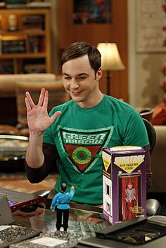 Big Bang Theory Epic Moment!! Toy Spock / Sheldon