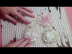shabby flowers diy how to make * shabby flowers + shabby flowers diy how to make + shabby flowers diy + shabby flowers wallpaper Cloth Flowers, Lace Flowers, Fabric Flowers, Wedding Flowers, Flores Shabby Chic, Shabby Chic Flowers, Shabby Chic Karten, Shabby Chic Cards, Diy Fleur