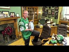 """Saskatchewan Premier Brad Wall: Takes a shot at the Blue Bombers prior to Banjo Bowl"""" in Winnipeg. Unfortunately the Riders lost that game. Canadian Football League, Football Fans, Go Rider, Winnipeg Blue Bombers, Saskatchewan Roughriders, Grey Cup, Take A Shot, Banjo, Green Colors"""