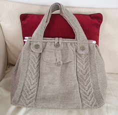 Cabled tote. Free pattern