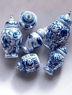 Bring some chinoiserie charm to your holiday decor with our Ginger Jar Accents Ornaments.