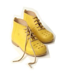 Wonderful shoes, Nathalie Verlinden, warehouse 11 Baby Girl Shoes, Kid Shoes, Yellow Boots, Cute Outfits For Kids, Cute Kids, Modern Kids, Childrens Shoes, Stylish Kids, Kids Wear
