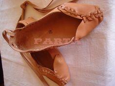 Ženské čižmy a krpce – PARTA – Slovenské ľudové umenie Birkenstock, Slip On, Sandals, Shoes, Country, Fashion, Moda, Shoes Sandals, Zapatos