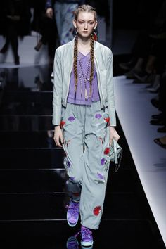 http://www.vogue.com/fashion-shows/spring-2017-ready-to-wear/emporio-armani/slideshow/collection
