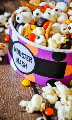 Puré del monstruo - Una diversión y Mezcla del rastro fácil de Halloween!  La creación de una receta de Halloween no tiene por qué ser difícil.  Usar mi imprimible libre de hacer esta merienda monstruo!  |  Los empollones Amor