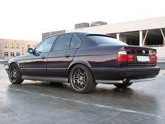 Love these wheels! Alfa 164, Bmw E38, Bavarian Motor Works, Bmw Classic Cars, Old School Cars, Bmw 5 Series, Bmw Cars, Cars And Motorcycles, Cool Cars