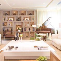 Piano na sala...inspire-se!! Acesse nosso blog e veja muitas ideias de decor na sala com piano....