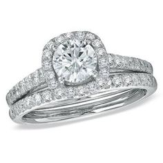 Halo + round cut = classic perfection