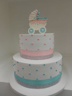 Pink and blue baby shower cake Torta Baby Shower, Shower Baby, Fancy Cakes, Cute Cakes, Beautiful Cakes, Amazing Cakes, Cake Pops, Cupcakes Decorados, Cake Creations