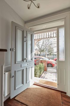 Victorian Style Front Door – London Door Company – Home decoration ideas and garde ideas Cottage Front Doors, Victorian Front Doors, Front Door Porch, Porch Doors, Front Door Entrance, House Front Door, Windows And Doors, Victorian Internal Doors, Victorian Front Garden