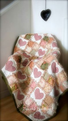 Heart Rag Quilt - Very pretty!