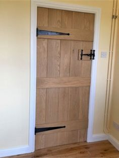 Bead & Butt - Solid Oak Internal Ledged Door - Cottage Door by Heritage Internal Cottage Doors, Internal Wooden Doors, Wardrobe Door Handles, Sliding Wardrobe Doors, Exterior Doors With Glass, Sliding Glass Door, Glass Doors, Sliding Doors, Cottage Doors Interior