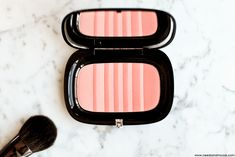 Air Blush Soft Glow Duo Marc Jacobs - ( Kink & Kisses ).  #MarcJacobs #MarcJacobsBeauty #AirBlush #Blush #Blushes #Maquillage #MakeUP #Blog #Beauté #blogger #draping #swatch @marcbeauty #marcbeauty #MJBeauty
