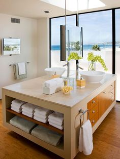 To create a sophisticated vibe in your bathroom, start with a modern vanity. Along with providing design inspiration, these tips highlight the characteristics of modern vanities. Bathroom Flooring Options, Best Bathroom Flooring, Best Flooring, Modern Vanity, Modern Bathroom, Master Bathroom, Bathroom Vanity Designs, Bathroom Storage, Bathroom Ideas