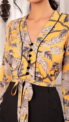 Source by hanneloreakkermann blouses Blouse Styles, Blouse Designs, Designer Wear, Designer Dresses, Shirt Blouses, Blouses For Women, Casual Outfits, Fashion Dresses, Womens Fashion