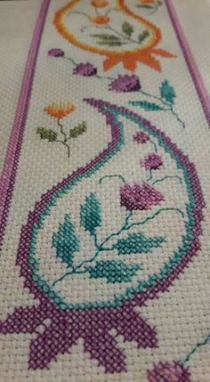 This Pin was discovered by _ba Cute Cross Stitch, Cross Stitch Borders, Cross Stitch Designs, Cross Stitching, Cross Stitch Embroidery, Hand Embroidery, Cross Stitch Patterns, Embroidery Designs, Prayer Rug
