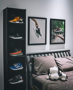 Sneakers greatly benefit from shoe trees related to care, preservation, display and travel. Sole Trees makes premium shoe trees for sneakers Men's Bedroom Design, Bedroom Setup, Room Ideas Bedroom, Bedroom Wall, Bedroom Decor, Men Bedroom, Mens Room Decor, Hypebeast Room, Room Goals