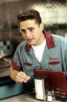 Beverly Hills 90210 - Brandon at the Peach Pit/ cute costume idea. or uniform… Beverly Hills 90210, Steve Sanders, Brandon Walsh, Ian Ziering, Jason Priestley, Brian Austin Green, Jennie Garth, Peach Pit, Shannen Doherty