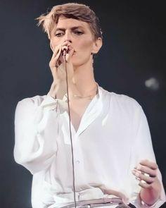 David Bowie, Bowie Low, Goblin King, Ziggy Stardust, Glam Rock, Hair Beauty, Tours, People, Twiggy