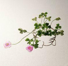 작은 미니 화분에 피어있는 사랑초~ 앙증 맞고 넘이뻐 자수로 표현해보았다^^ #사랑초#미니화분 #꽃자수#야생화#그린그린 #귀여움#취미#일상#embroidery #hahembroidery #wildflowers#완성