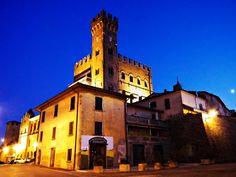 castello di Tavoleto - Urbino. 43°50′45.13″N 12°35′33″E