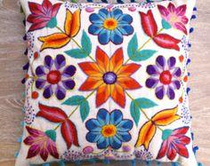 Funda de almohada peruano bordadas de lana de oveja y alpaca flores 16 x 16 en Boho étnico crema hecha a mano del amortiguador