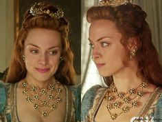 "In the episode 3x16 (""Clans"") Queen Elizabeth wears the Alfredo Laggia Flower Bib Necklace from 69 Vintage."
