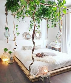 Urban Jungle Room with pallet bed. Urban Jungle Room with palle Dream Rooms, Dream Bedroom, Home Bedroom, Bedroom Furniture, Modern Bedroom, Magical Bedroom, Garden Bedroom, Minimalist Bedroom, Furniture Ideas