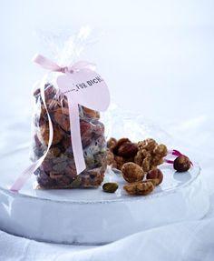 Unser beliebtes Rezept für Süße Nussmischung und mehr als 55.000 weitere kostenlose Rezepte auf LECKER.de.