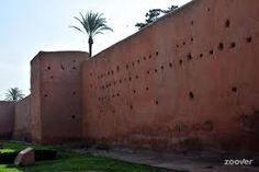 """I Giardini Agdal adiacente a sud del palazzo reale sono stati creati nel 1156, non appena lo storico ufficiale della dinastia almohade da El Haj Ya'is, proprio quello che era in origine dalla prestigiosa Koutoubia. Il termine significato Aguedal anche """"giardino"""" in generale dai berberi, la descrizione di Giardini Aguedal non è emerso come la designazione esclusivo come la fine del XVIII secolo. http://www.medina-de-marrakech.com/it/"""