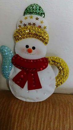 1 million+ Stunning Free Images to Use Anywhere Plastic Canvas Christmas, Felt Christmas, Christmas Snowman, Christmas Themes, Handmade Christmas, Christmas Decorations, Christmas Ornaments, Snowman Crafts, Holiday Crafts