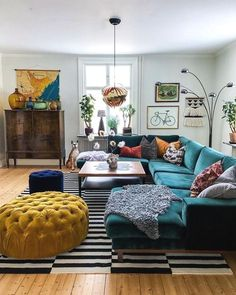 cozy & colorful eclectic living room design ideas for inspiration page 11 Retro Living Rooms, Colourful Living Room, Boho Living Room, Cozy Living Rooms, Home Living, Apartment Living, Living Room Designs, Small Living, Living Room Decor Eclectic