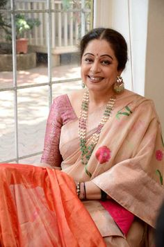 Kiron Kher in Vaya at Mumbai selecting her Sarees. Description by Pinner Mahua Roy Chowdhury