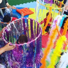 The best homemade 'no mess' sensory play ideas for babies – Baby Wear - Kinderspiele Baby Sensory Play, Sensory Rooms, Baby Play, Sensory For Babies, Sensory Kids, Infant Activities, Activities For Kids, Indoor Activities, Baby Crafts