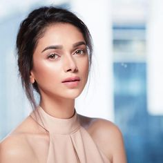 """Aditi Rao Hydari : """"If I feel like this, I'll look like this. even at the end of a looooong day! Best Beauty Tips, Beauty Hacks, Indian Women Painting, Bollywood Girls, Bollywood Actress, Stylish Girl Images, Tabu, Perfect Skin, Girls Image"""