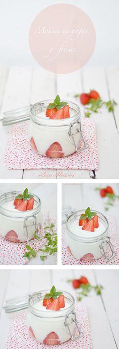 Mousse de yogur y fresas / http://milhojas-elblogderosa.blogspot.com.es